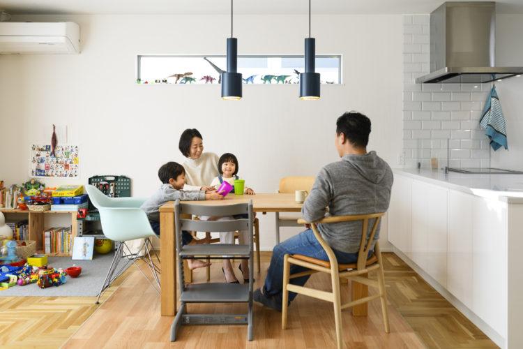 洗練された都会的な空間の家